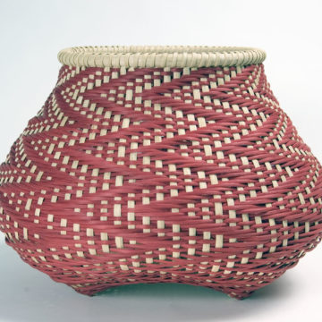 Billie Ruth Sudduth, Fibonacci 8, 2006, reed splints, henna, madder and crushed walnut hull dyes, 11 × 15 × 15 inches. Museum purchase with funds provided by 2005 Collectors' Circle members Phillip Broughton & David Smith, 2006.01.58 © Billie Ruth Sudduth