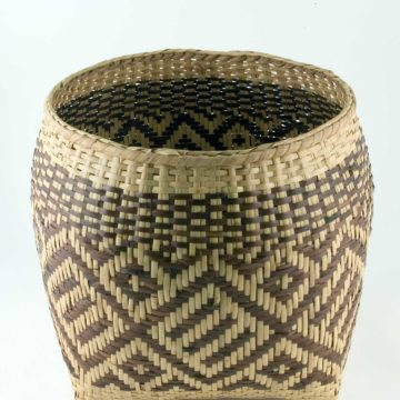 Rowena Bradley, Planter, circa 1994, rivercane with walnut dye, 12 × 12 × 12 inches. Gift of Billie Ruth Sudduth, 2006.07.01.58.