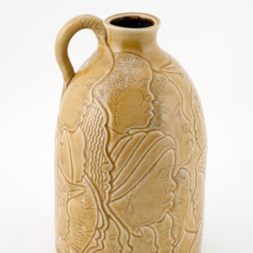 Winton Eugene, Pride, 2005, glazed stoneware, 11 ½ × 6 ¾ × 6 ¾ inches. Gift of Ann & Ted Oliver in memory of Harvey J. Breeding, 2011.18.83. © Winton Eugene